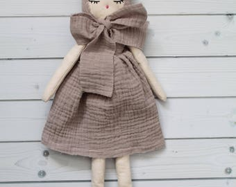 Poupée de tissu, poupée de chiffon raffinée, Poupée de collection, cadeau anniversaire, décoration murale, cadeau naissance, cadeau bebe