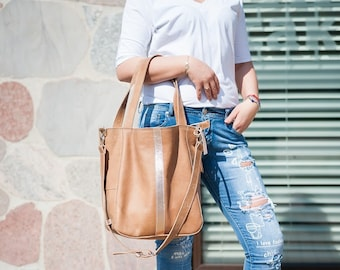 Camel leather bag with gold strap