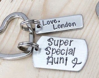 Aunt keychain - Gift for Aunt - Hand stamped keychain - Personalized gift - Hand stamped jewelry - Custom gift
