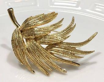 VINTAGE brooch - leaf
