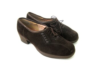 Dark brown Oxfords Lace suede leather shoes Vintage loafers Tie Up Shoes Chunky Heels Librarian Shoes Womens size 9