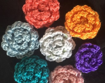 Crochet flower hair clip set of 2. You choose size and color.