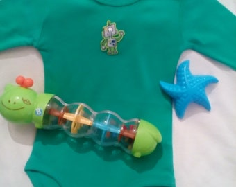 body boy green size 3 / 6 months pattern robot from the future with your baby's name