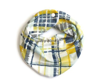 Plaid baby bib, baby bandana, scarf bib, baby bandana bib, plaid bib, baby boy bib, bibs for boys, green plaid bib,boy bandana bib, baby bib