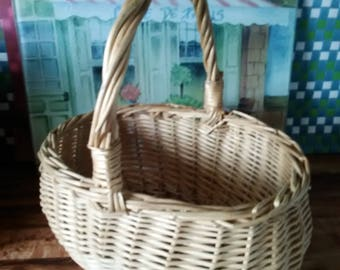 Medium Sized Basket With Handle