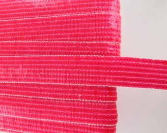 Round glitter, neon pink stripes, 6 rows of sequins, sold in a cut in multiples of 20cm