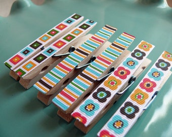 Decorative Decoupaged Clothespins Memo clips ---Julia Gifts Under 5 Dollars Hostess Gift, Kitchen, Home Organization, Chip Clip, Office