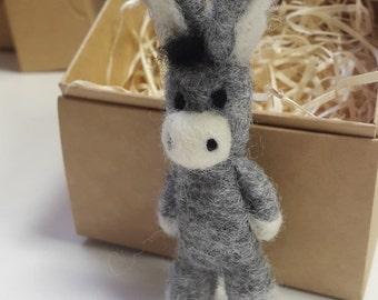 Felted Donkey,NeedeFelt Mule Brooch,Shrek Movie Donkey,Funny Animal Pin,Woolen Animal,Easter Gift