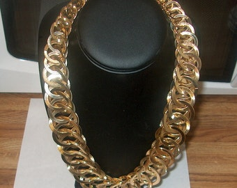 Vintage Costume Jewelry Goldtone Necklace