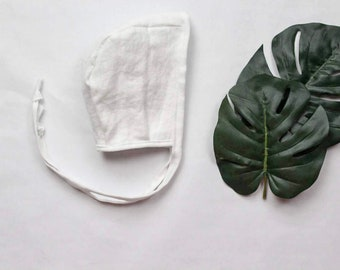 White linen bonnet
