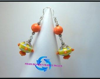 Boucles d'oreille perle verre lampwork jaune et orange, clou argent.