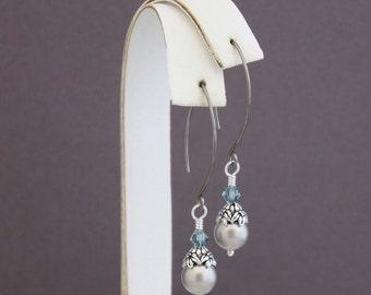 Serenity - natural Niobium elongated earrings