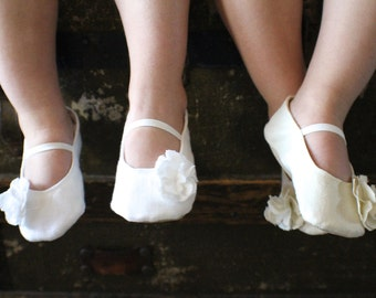 Ivory or White Linen Baby Girl Shoes - Ballet Flats - Toddler Girl Shoes - Easter Shoes - Christening Shoes - Flower Girl Shoes