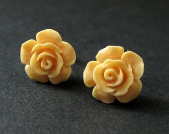 Light Orange Flower Earrings. Pale Orange Earrings. Gardenia Flower Earrings. Silver Stud Earrings. Orange Rose Earrings. Handmade Jewelry.