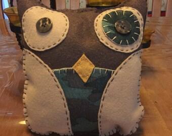 Camo felt owl