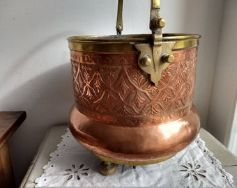 French vintage / antique copper pot / cauldron with brass handle, trims and feet, hand made, French country decor.