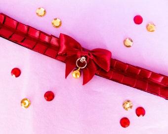Romantic bourgundy basic pleated collar