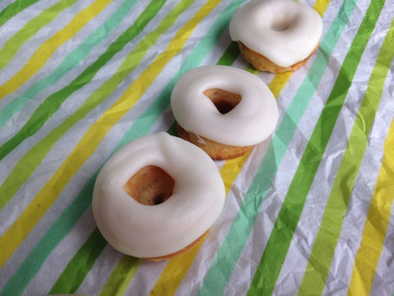 Banana Cream mini donuts
