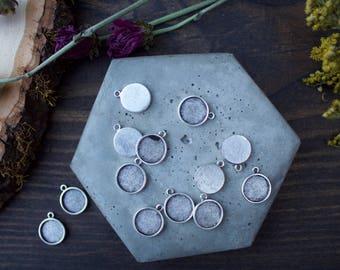 Mini Link Circle Bezel Charm - Single Jumpring Bezel - Jewelry Components - DIY Jewelry - Resin Bezel Charm - Circle Bezel Pendant