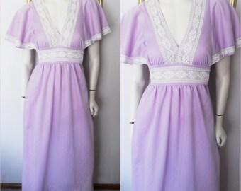 Vtg.70s Lilac White Lace Flutter Sleeve Maxi Dress.Medium.Bust 38.Waist 38