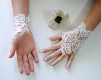 Ivory Wedding gloves, Bridal Gloves, Lace Gloves, Fingerless Gloves Ivory, Lace Fingerless Gloves