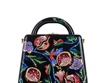 Handbag black woman