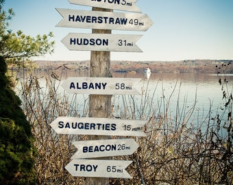 sign to all points Hudson Valley  kingston manhattan Hudson albany saugerties Beacon troy Haverstraw
