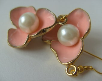 Large, enamel, gold tone, pink, peach, salmon pink, pearl, elegant, earrings, by NewellsJewels on etsy