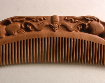 Chinese Tibetan Hand Carved Peach Wood Auspicious Luck Abundance Longevity Bat & Peaches Comb 7.25 in.