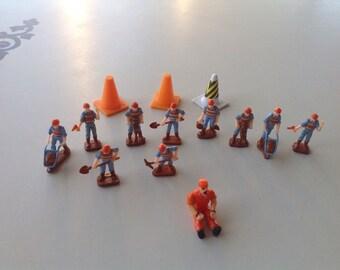Miniature Toy  Construction Men