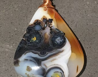 Copper wrapped picturesque Agate Pendant