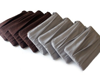 SET OF 8 Pleated Bridesmaids Wristlet/ Bridesmaids Gift Idea/ Custom Colors/ Brown, Silver Burnt Orange And More