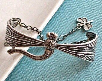 Dragonfly Jewelry - Silver Cuff Bracelet, Nature Jewelry, Dragonfly Bracelet