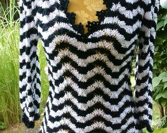 Undershirts black and white, wave pattern, size 36-38 (S-m)