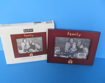 Wood Picture Frame holds 4 x 6 picture NIB- Family picture Frame