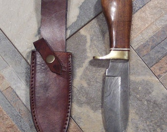 Custom Handmade knife with Damascus Steel Single Edged skinning Style Blade with heavy duty custom leather sheath