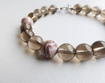 beige/pink agate and smoky quartz bracelet