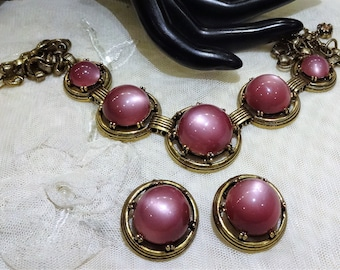 Beautiful Vintage Dusty  Rose Coloured Thermoset Moonglow Cabochon Necklace and  Earrings