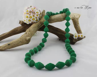 Long green necklace with paper beads, ecological jewelry gift perfect for women who likes to respect the environment