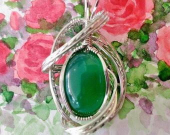 Green Agate Pendant Womans Necklace Pendant Wire Wrapped Jewelry Handmade in Silver with Free Shipping
