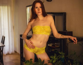 Lingerie Set - yellow sour lemon // Undies Bra und Slip in playful French Lace handmade of Fransik