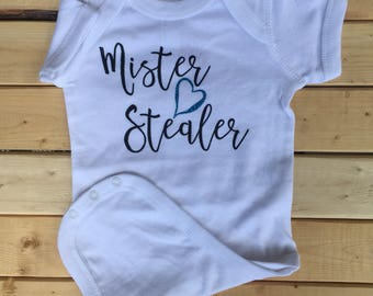 Mister Heart Stealer, Baby One-piece, Baby boy Clothes, Baby Clothes, Newborn Baby Clothes, Funny Baby, Cute Baby Bodysuit, Baby