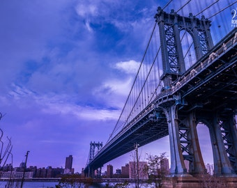 Picture of the Manhattan Bridge and Manhattan in the evening with a beautiful sky, New York on canvas, NYC on canvas