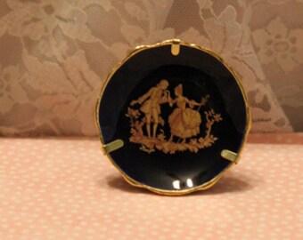 Signierte cm Limoges Frankreich cm Miniatur Kobaltblau mit 24 k Gold trim und viktorianischen paar übertragen