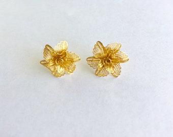 Beautiful 22k Flower design earrings