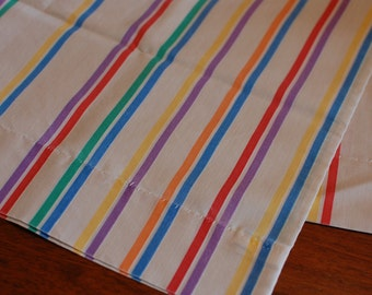 Set of 2 vintage pillowcases, retro stripe!