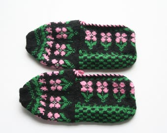 Knit slippers, vintage handmade from 90's, home shoes, warm socks