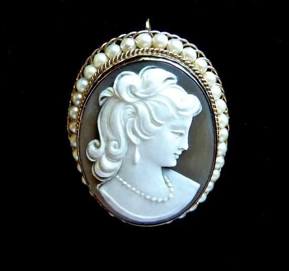 CARVED CAMEO ~ 14K Gold Encircled With Natural PEARLS ~ Pendant Or Brooch ~ Adjustable Bale ~