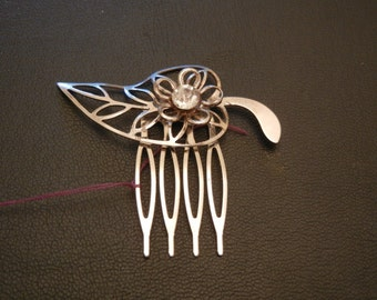silver leaf flower  with diamond hair comb
