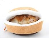 Comfy cat burger house